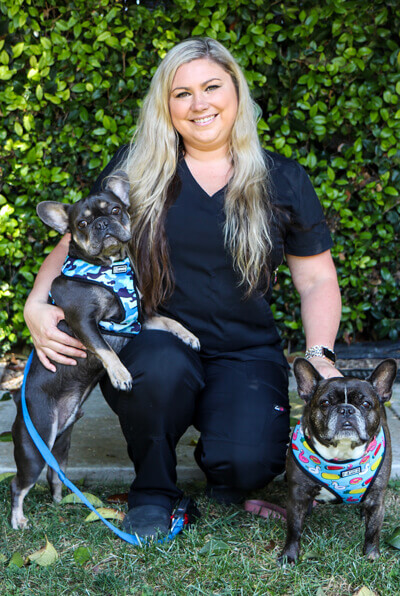 Cassidy hawthorne registered vet technician and office manager of Newport harbor animal hospital