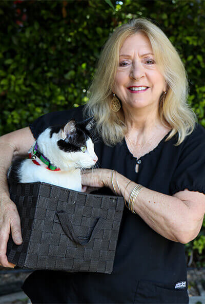 jeanie underwood administration at newport harbor animal hospital