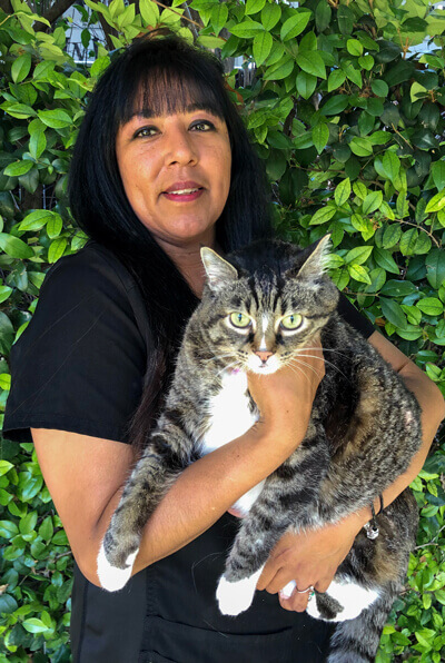 Rachel Jonovic receptionist of Newport harbor animal hospital